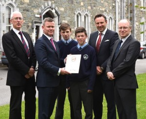 David Cronin CEO UL Foundation (second from left) presenting the Billy Vincent Award to Danny Cronin and Adam Walsh who accepted on behalf of the 2nd students of Sr Brendan's College with (from left) Sean Coffey principal, Rory D'Arcy Chairman Muckross House Trustees and Denis Reidy General Manager Muckross Trustees at St Brendan's College, Killarney.